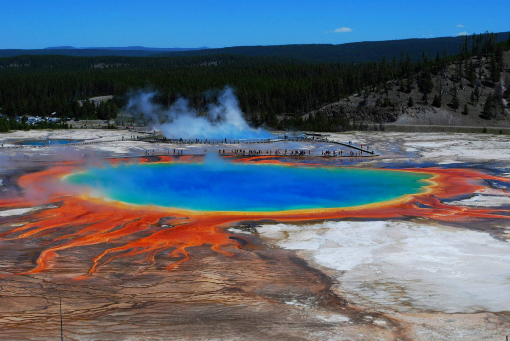 Yellowstone-Grand-Prismatic-Spring.jpg